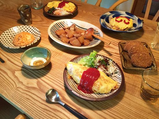 太田哲三さんのお皿とオムライス